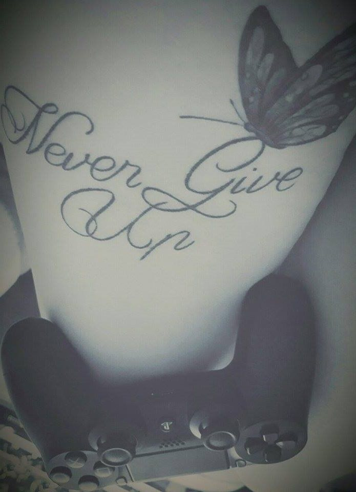 photo tatouage never give up